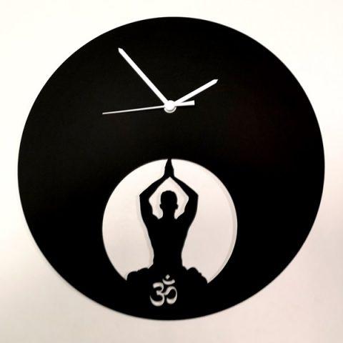 37-028-Homme-yoga-Noire